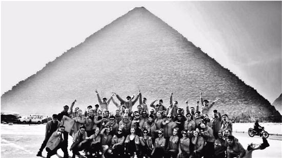 《遇见大运河》来到埃及 起舞金字塔下 传递爱与和平