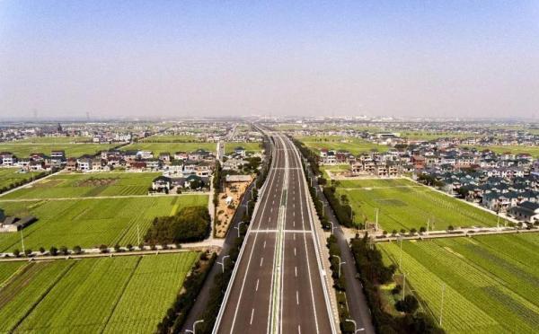 浙江省宁波慈余高速公路正式通车运营